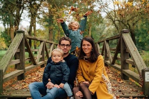 photo de famille à l'automne